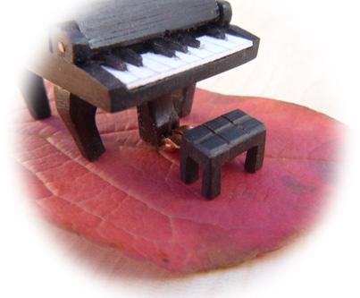 ピアノのイス